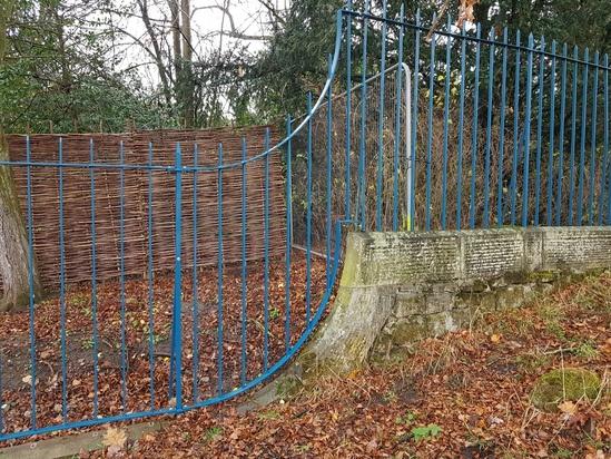 Chatsworth House - refurb of existing railings