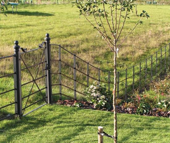 Continuous Bar estate fencing for parkland