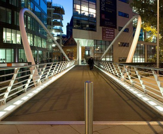 Bespoke butterfly arch bridge, Manchester Piccadilly
