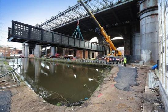 Installation of Vierendeel truss bridge - Potato Wharf
