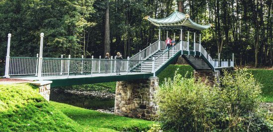 42m Chinese bridge installed at Dumfries House
