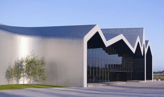 Zinc cladding zaha hadid 39 s riverside museum glasgow for Architecture zinc
