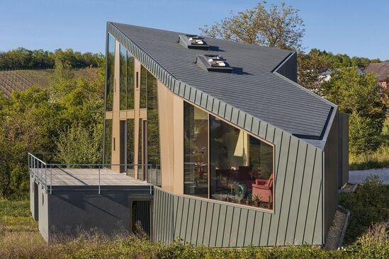 RHEINZINK-prePATINA roof and facade - private residence