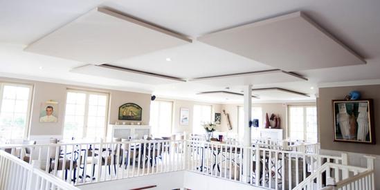 CLOUDSORBA® acoustic ceiling panels in restaurant