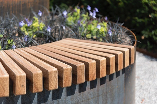 POc - Curved Planter and seating system