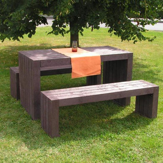 London 100% recycled plastic table and benches - brown