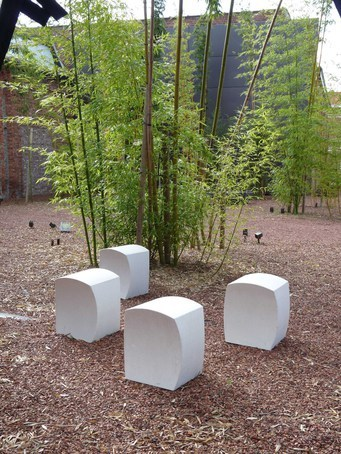 UrbaSTYLE Eco architectural cast stone seats
