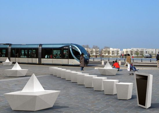 Paperboat litter bin and seating
