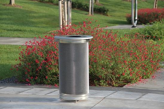 Maya outdoor litter bin by Santa & Cole