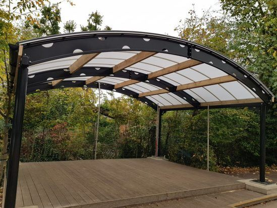 Bespoke steel and polycarbonate shelter
