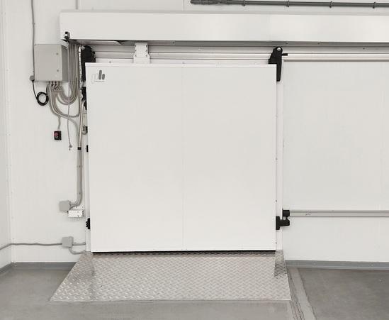 Single-leaf sliding door
