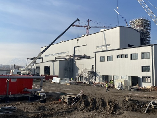 Roof and wall sandwich panels for new power plant
