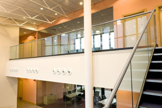 Steel staircase and glass balustrade