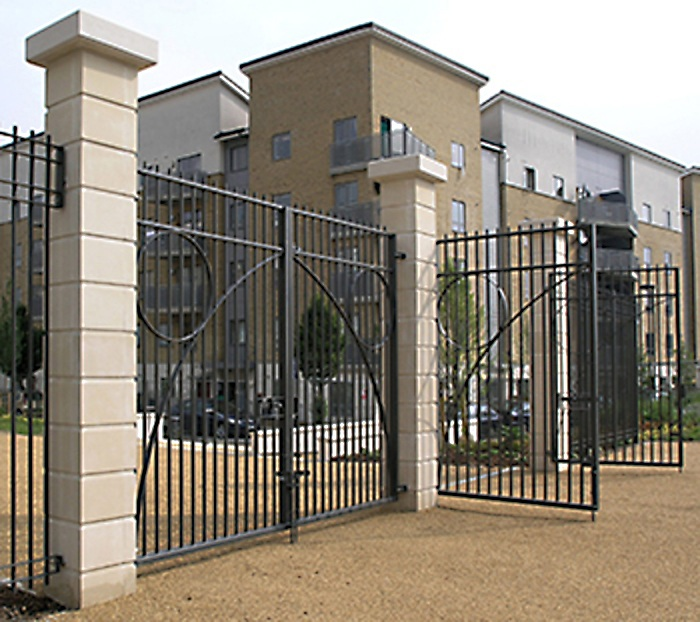 3m high bespoke gates to match Modena railings