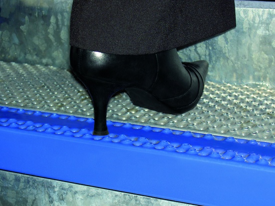 Type O5-M stair treads