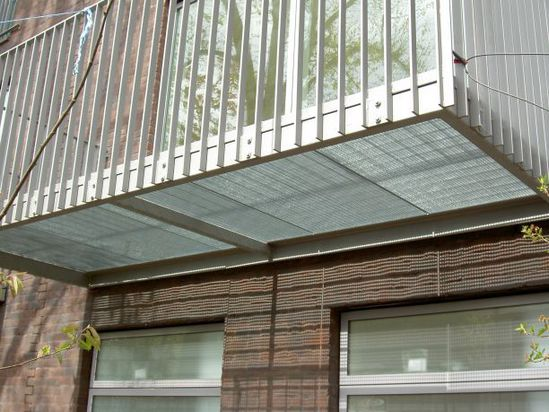 Type sp steel balcony elefant gratings esi building design for Types of balcony