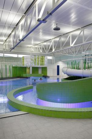 Led Pool And Ambient Lighting Public Leisure Facility Golden Coast Ltd Esi Interior Design