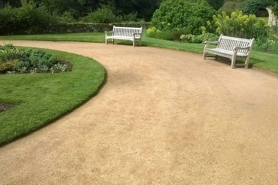 Self-binding gravel suitable for driveways and paths