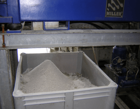 Decapress unit achieves dry solids reducing effluent