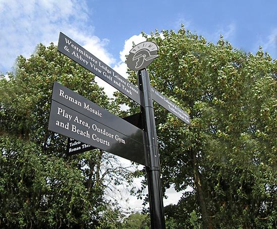 Fingerpost with Roman finial at Verulamium Park