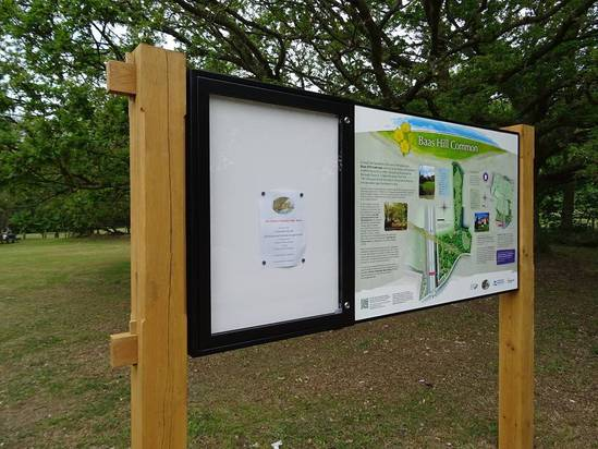 Bespoke combination signage for Baas Hill