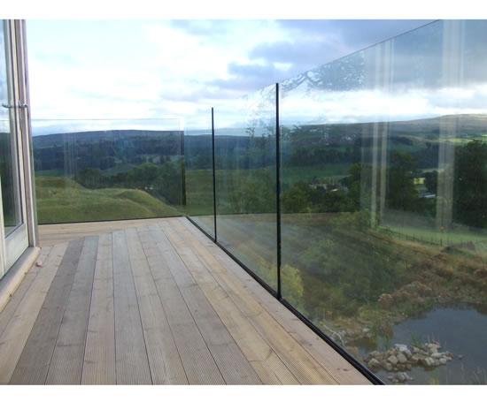 Bespoke Glass Balustrades Creative Glass Amp Mirrors Esi