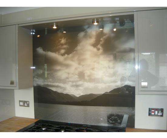 Attractive Tiled Splashbacks For Kitchens Ideas #1: Creative_Glass_Mirrors_Ltd_Glass_splashbacks_7.jpg