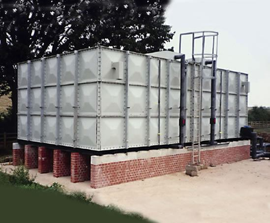 Sectional cold water storage tank