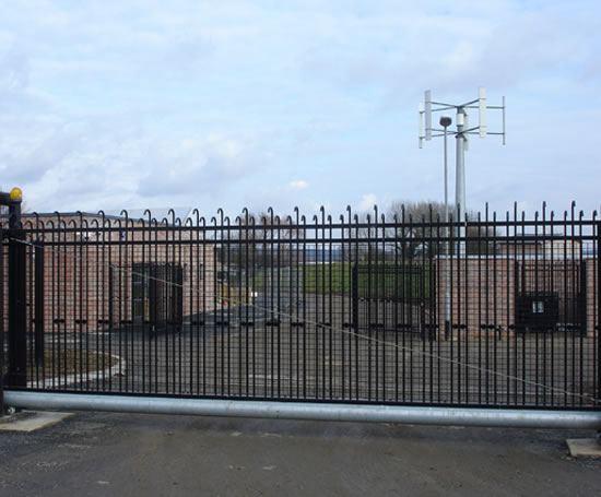 Tri-Guard fencing