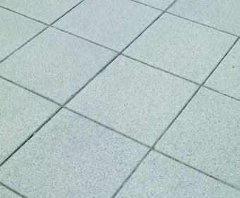 Conservation smooth concrete paving