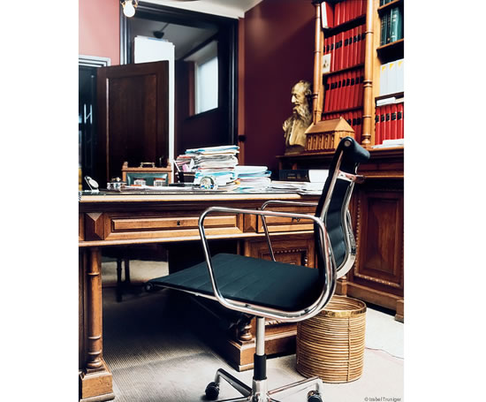 Vitra Aluminium Chairs Momentum Contract Furniture Esi Interior Design