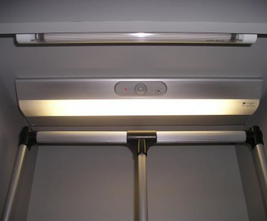 Wardrobe sensor light