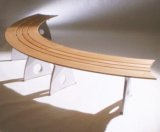 Smart Alex curved aluminium bench with timber slats