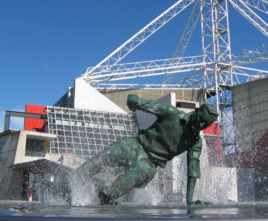 http://cms.esi.info/Media/productImages/Water_Sculptures_Water_feature_Tom_Finney_statue_Preston_FC_4.jpg