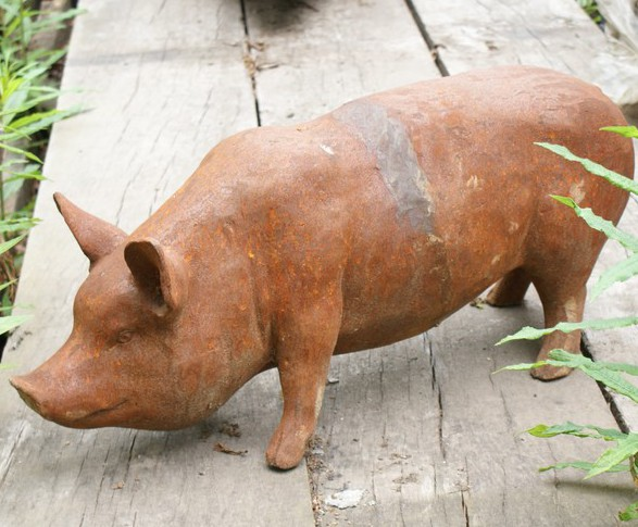 Bon Standing Sow/Pig Statue