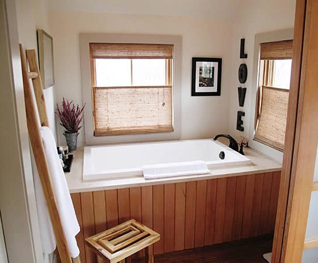 Calyx 1230 Japanese-style deep soaking bath tub | Design & Form ...