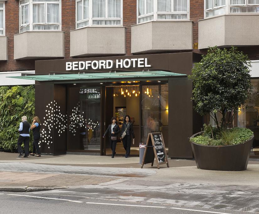 Entrance refurbishment for London hotel