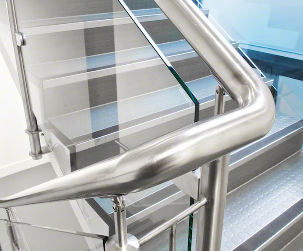 Q Line Handrail, Internal Staircase Application