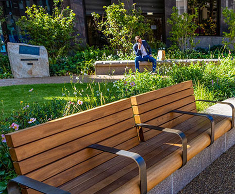 Seating, screens and signage for Christchurch Gardens