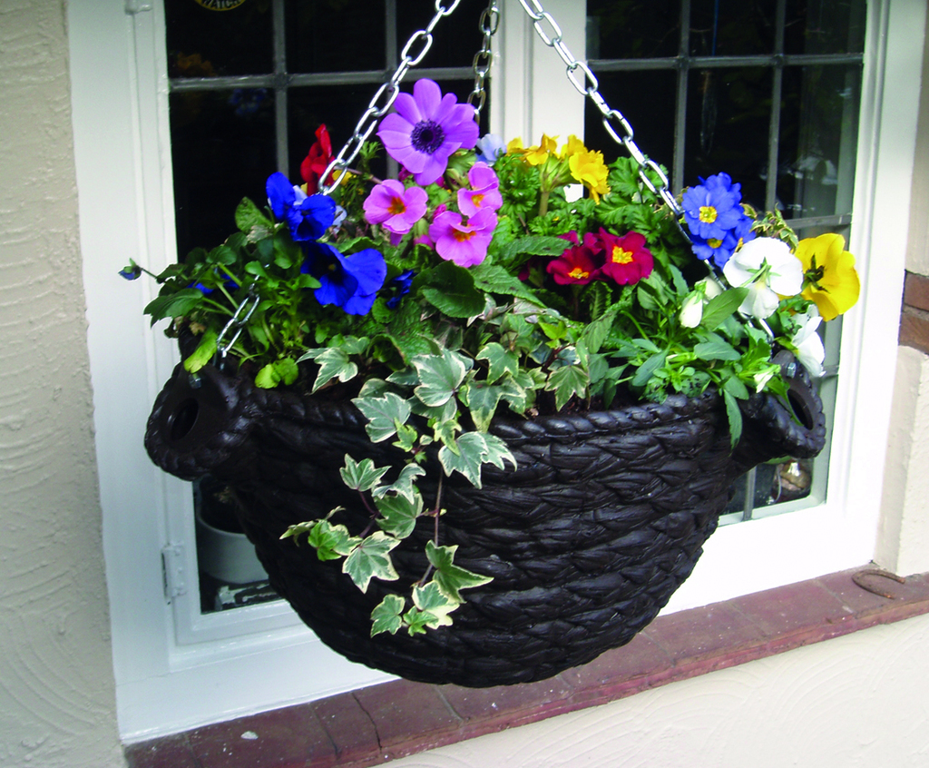 Attractive Wicker self-watering hanging basket (WKR-0P) | Amberol | ESI  TJ45