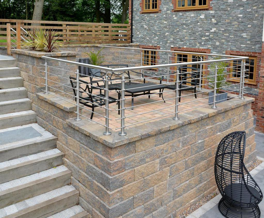 Retaining wall solves Willmark Homes' sloping site issue