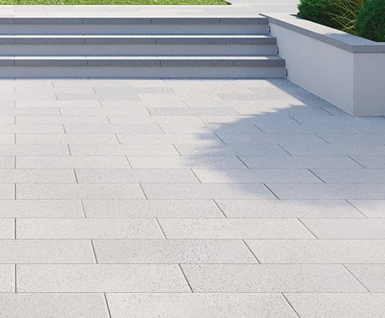 Mayfair paving with stain-resistant EasyClean technology