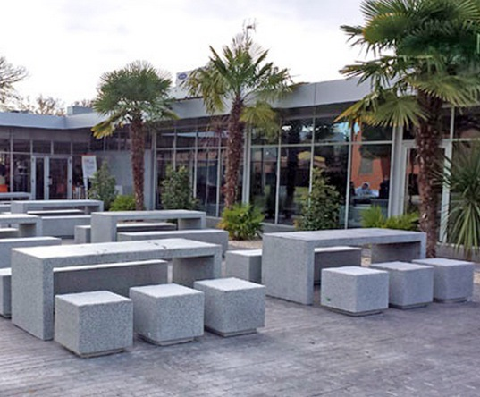Gentil Kube Concrete Picnic Set