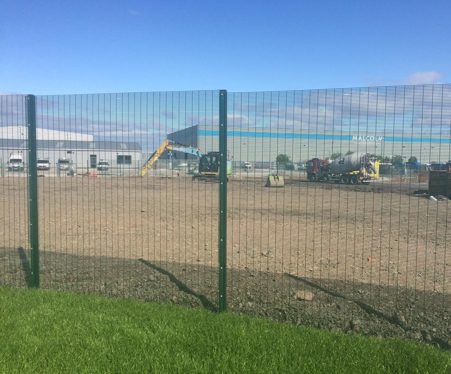 Lochrin® 358 welded mesh fencing system | Lochrin Bain | ESI ...