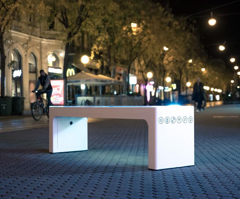 Steora Smart solar-powered bench