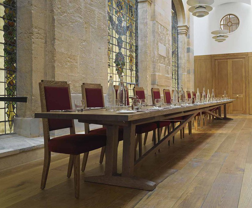 32-seat bespoke dining table – The Queen's College