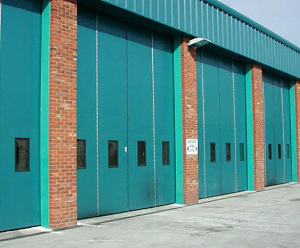 Sonafold insulated industrial folding doors & Sonafold insulated industrial folding doors | Bolton Gate Company ...