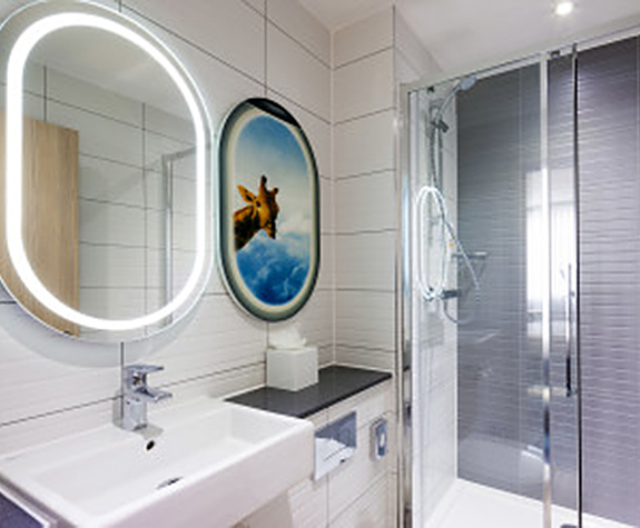 Ideal Standard bathroom suites complement design hotel