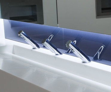 Contemporary bathroom solution for high-quality offices