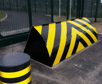 Hvm Roadblockers And Bollards For National Rail Frontier Pitts